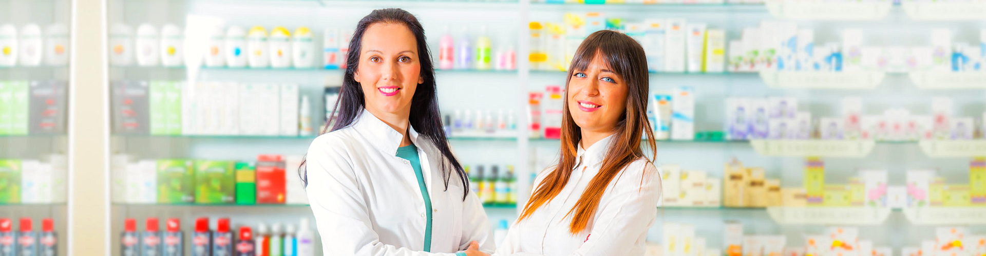pharmacist with a client